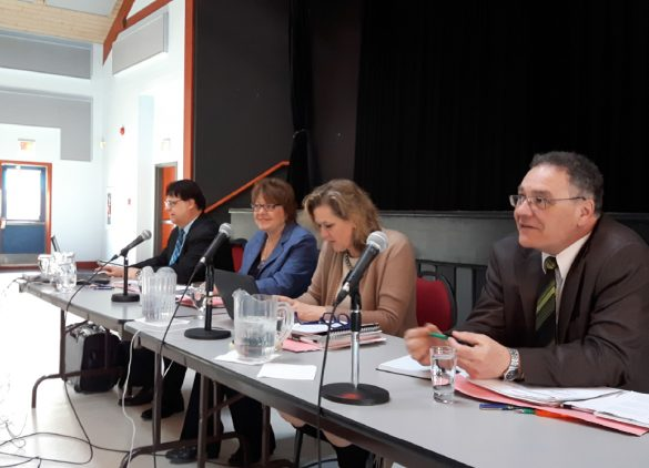 Normand Roy, analyste économique, Lucille Brisson, France Dionne et André Rivet, régisseurs de la Régie des marchés agricoles et alimentaires du Québec