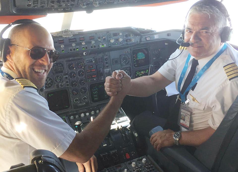 Nicolas Thériault, commandant et Laurent Marcoux, commandant vérificateur chez Air Transat.
